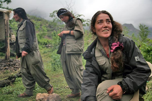 Kurdistan Women Fighters – Steal | this | Hijab دزدیدن این ...